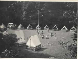 Pohled do srdce skautského tábora u Tulešic.